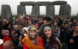 comemoracao-do-solsticio-no-stonehenge-320x200